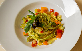 PAGLIA E FIENO TAGLIATELLE WITH VEGETABLE RATATOUILLE